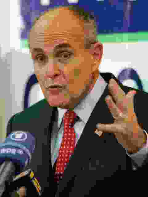 Enlarge giuliani1.jpg